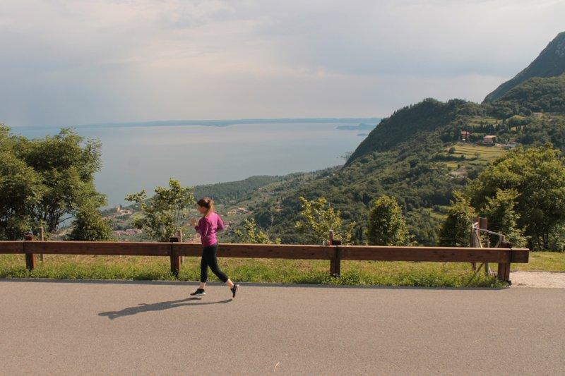 Lisa läuft Gardasee