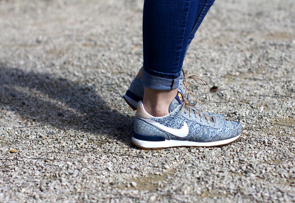 Nike Liberty London Internationalist Blue Paisley