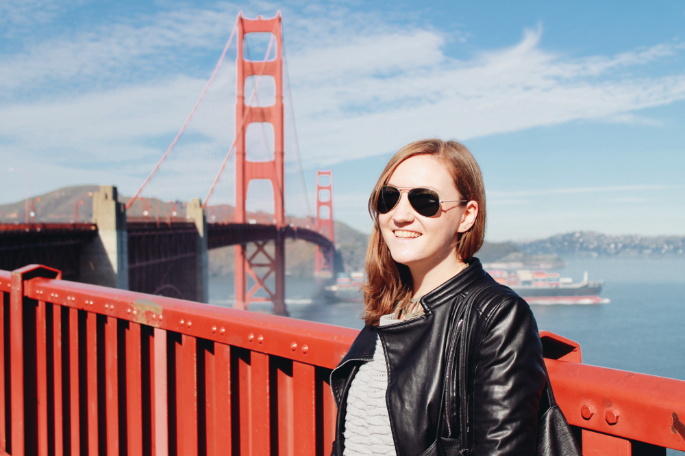 Outfit Golden Gate Bridge Portrait