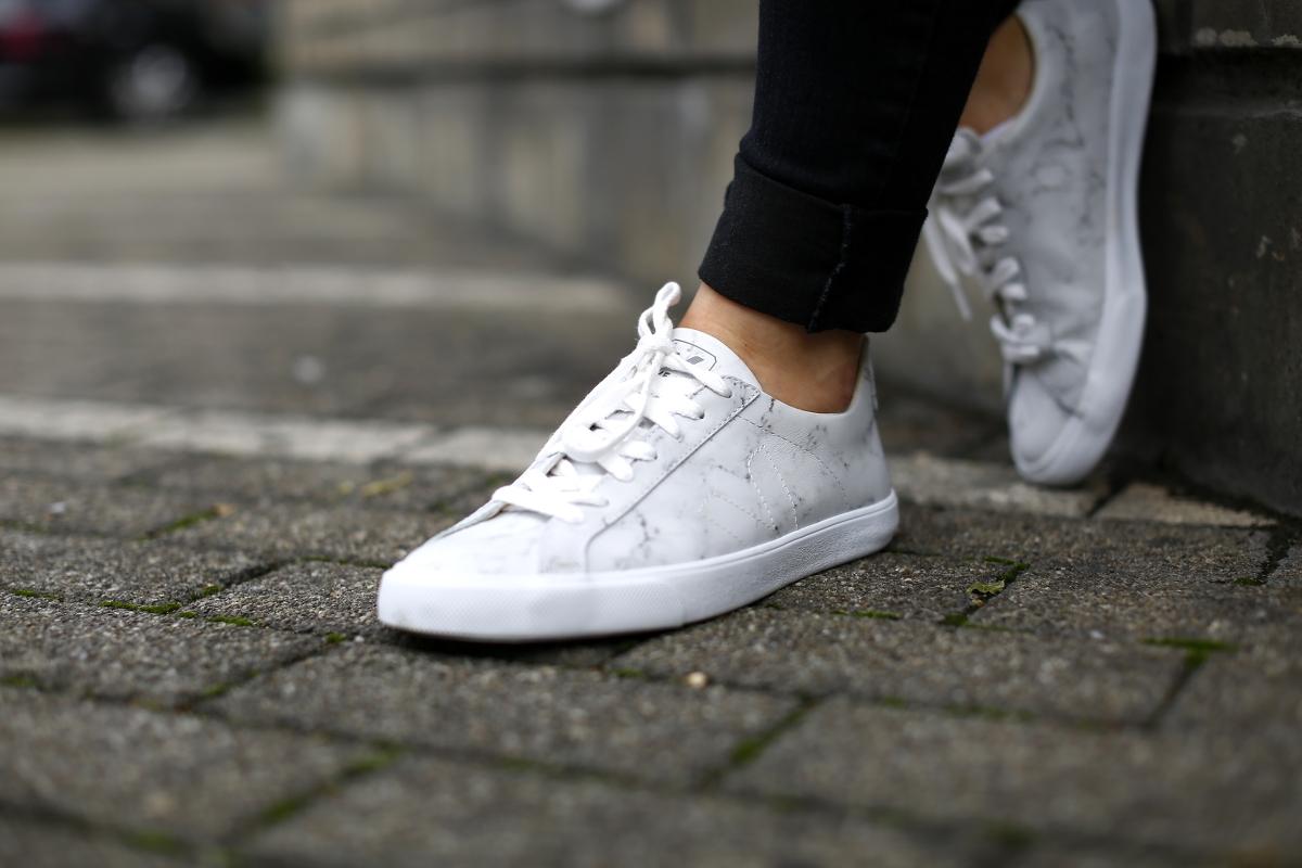 New In Marmor Sneaker Vom Fairtrade Eco Schuhlabel Veja