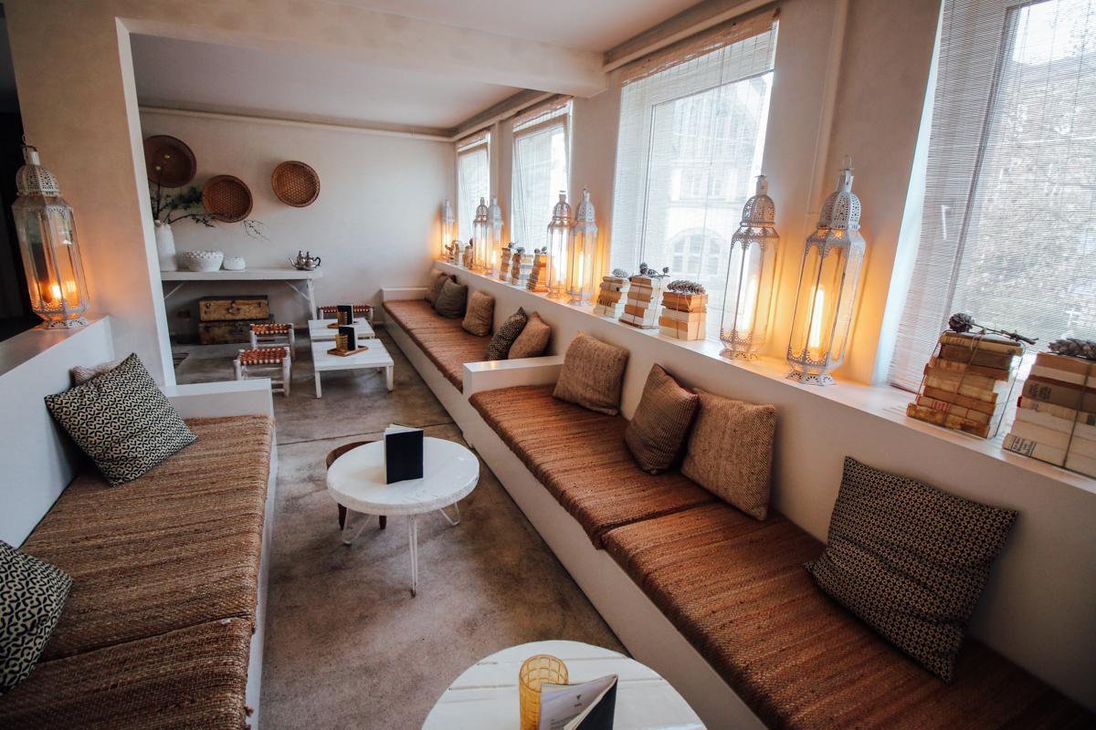hometown glory wellnitz caf bar in darmstadt kantplatz helle flecken. Black Bedroom Furniture Sets. Home Design Ideas